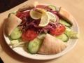 Tonhal saláta pitával