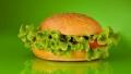 Toscan Vegaburger + Hasábburgonya